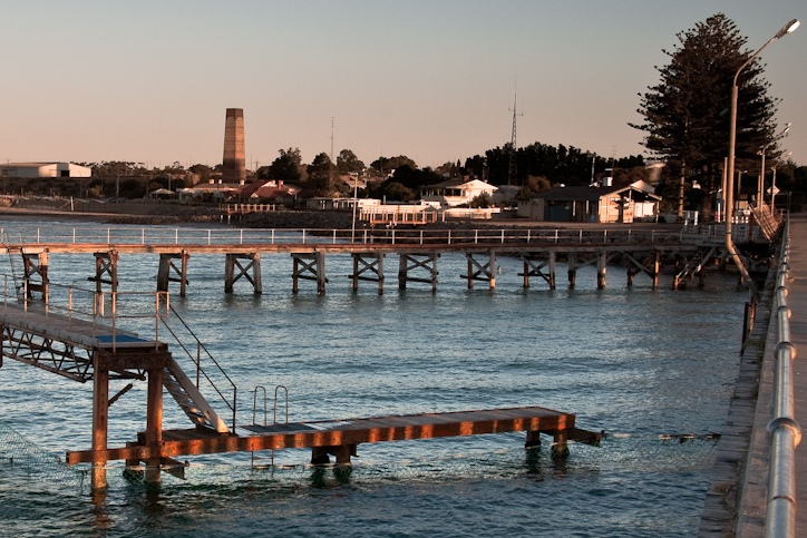 Dawn breaks on Wallaroo jetty