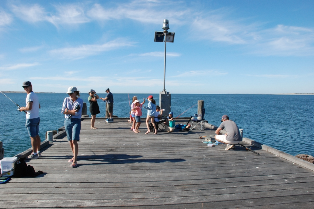 Excellent fishing, squiding and crabbing from Wallaroo jetty