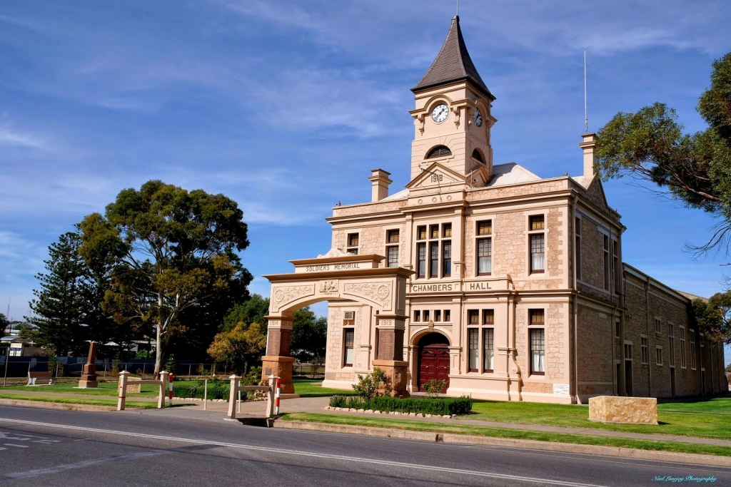 Historic Wallaroo Town Hall and Chambers